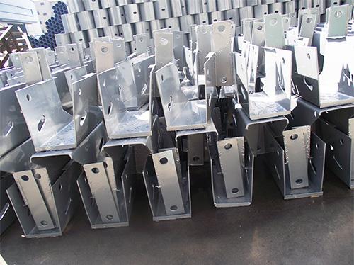 镀锌护栏板方立柱防阻块