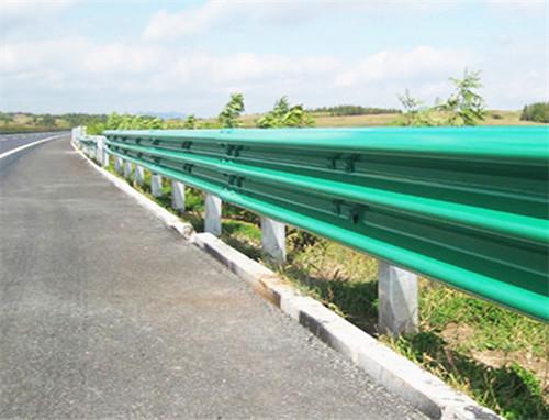 喷塑波形梁护栏