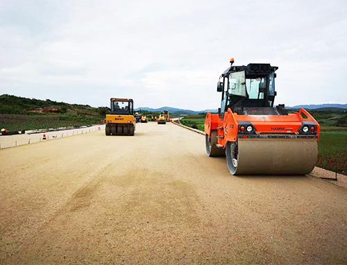 云南红河高速施工